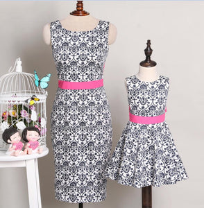 Mom Girls Vintage Bokwnot Summer Dress