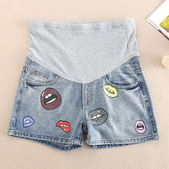 Maternity Lip Print Abdomen Supportive Short Jeans