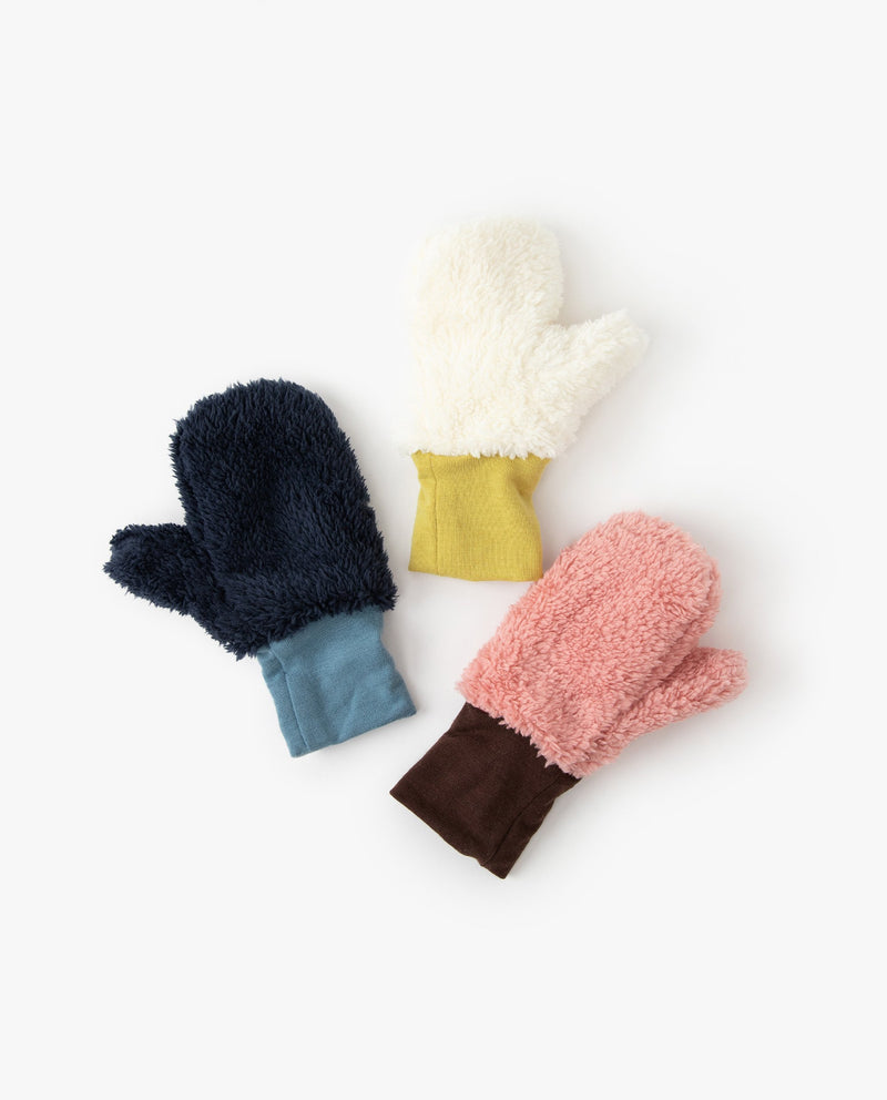 Color Block Ribbed Mittens on MooMooz