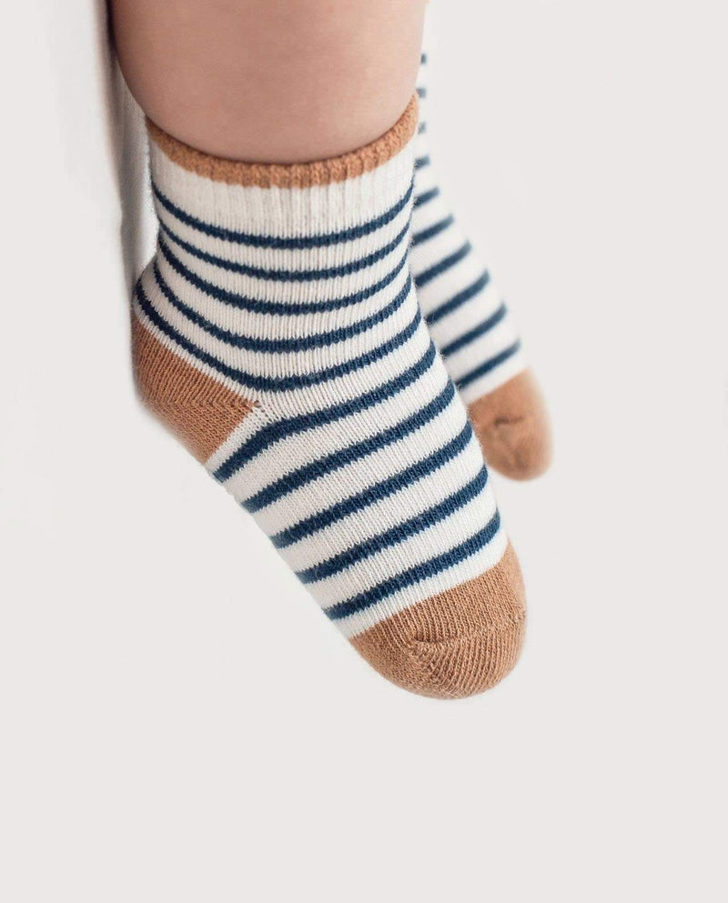 [Out of Stock] Medio Socks