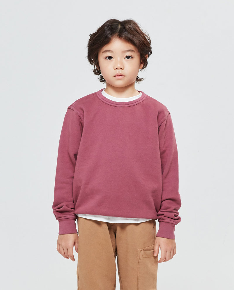 Garment Dyed Shoulder Patch Sweatshirt on MooMooz