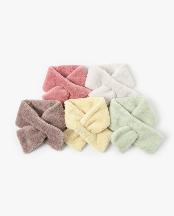 [Out of Stock] Cozy Slip Through Scarf
