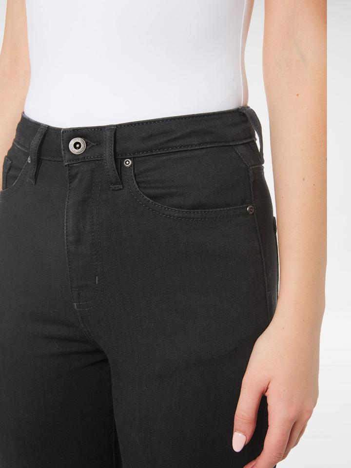 Close up of the front of the Outland Denim - Harriet Jean in Black - Full Length