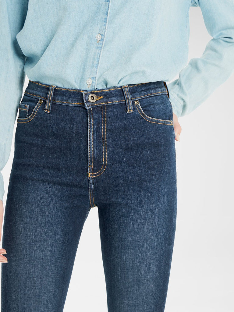 Close up of the front of the Outland Denim Australia  Harriet Ladies Jean in Byron