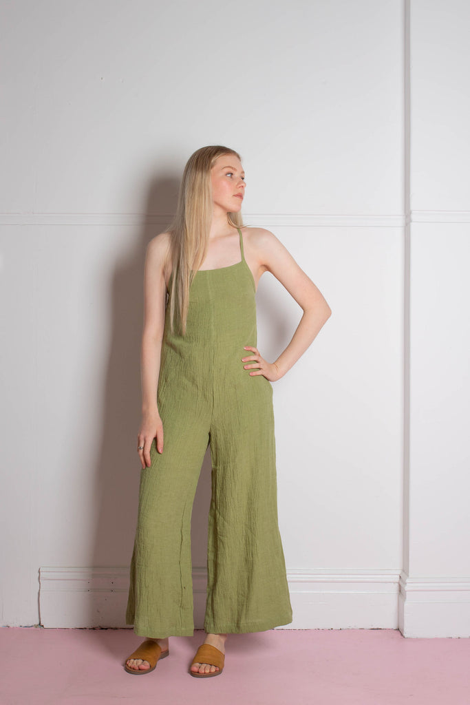 front view of the Zoe.O - Linen Wide Leg Overalls