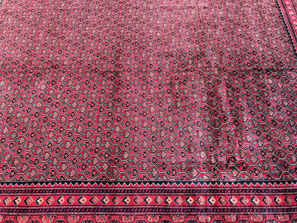 Room Size Nomadic Carpet