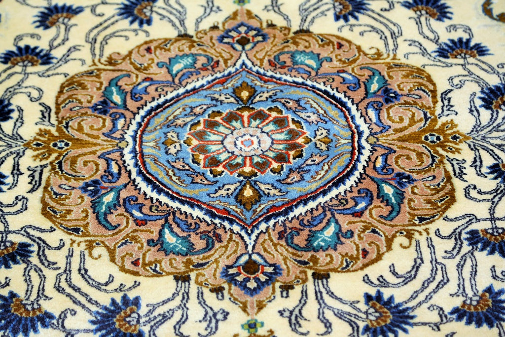 Palace Design Traditional Rug
