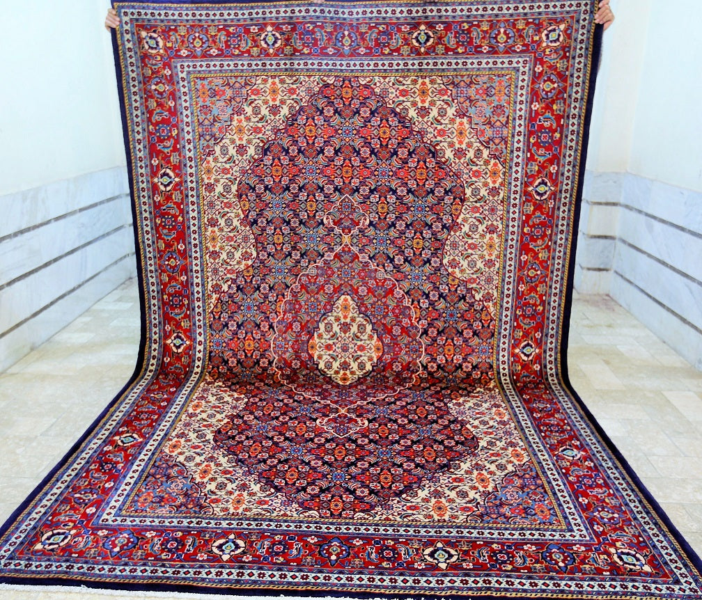 Superb Lambs wool Sarough Rug