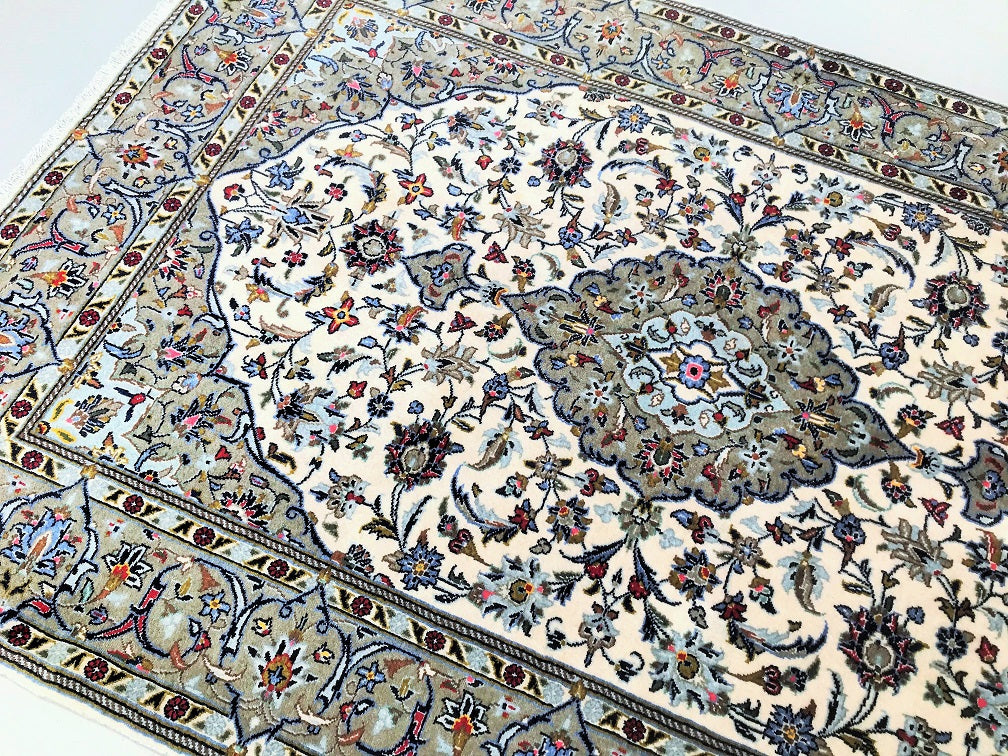 High Quality Kashan Persian Rug