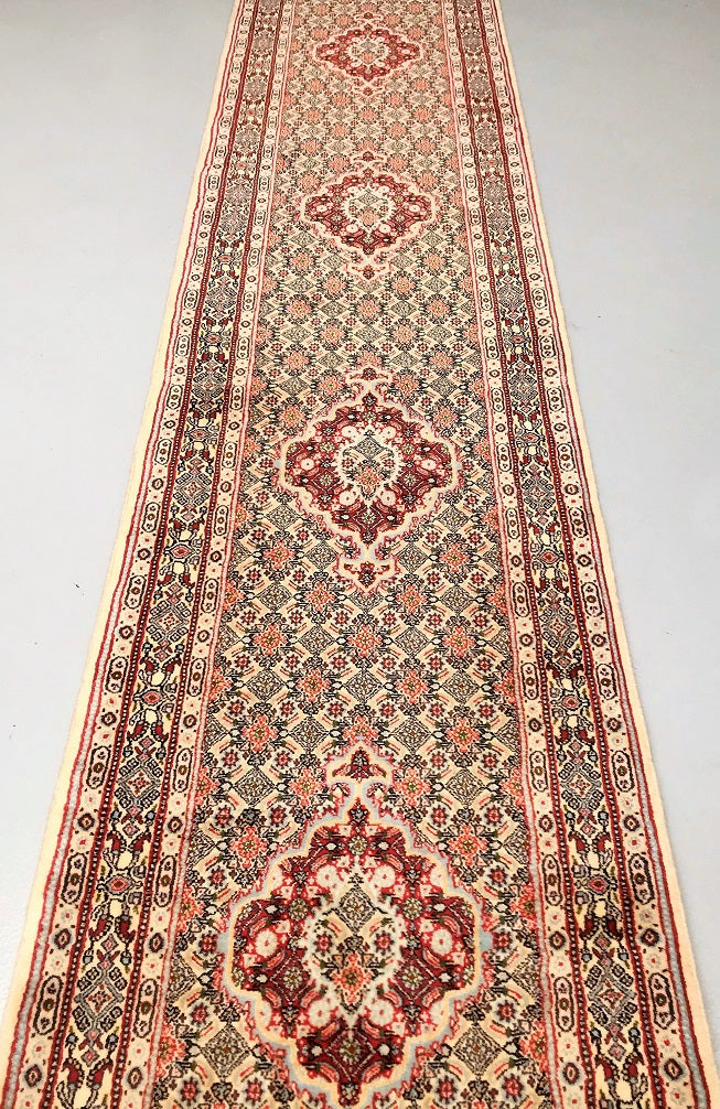 wool_and_silk_hall_runner