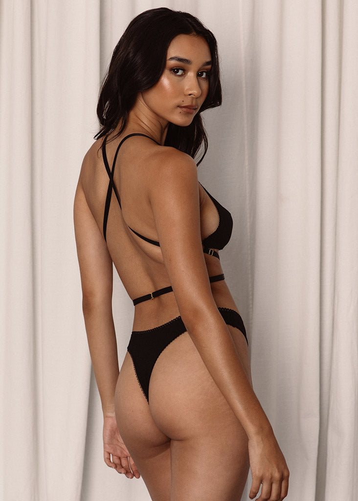 Mila Bottom Black