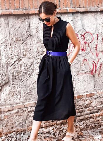 V Neck Pleated Sleeveless Dress