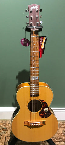 Maton METE Mini Acoustic/Electric Guitar