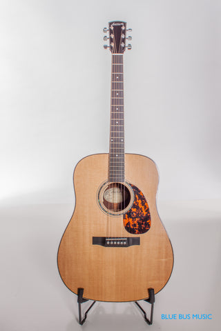 Larrivee D09-E Dreadnought Acoustic & Electric Guitar
