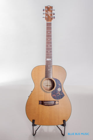 Maton EBG808-TE Small Body Acoustic Electric Guitar
