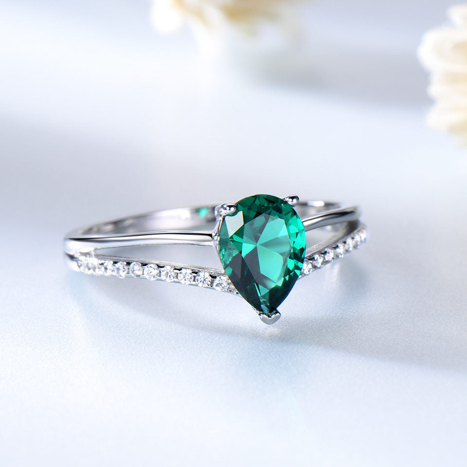 Russian Nano Green Emerald Silver Ring - wearevel