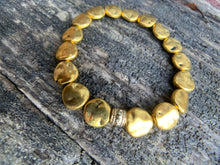 Load image into Gallery viewer, Hammered Gold Metal Beaded Bracelet