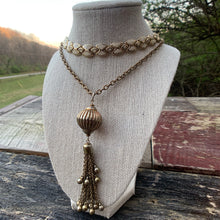 Load image into Gallery viewer, Vintage Gold Tassel Necklace