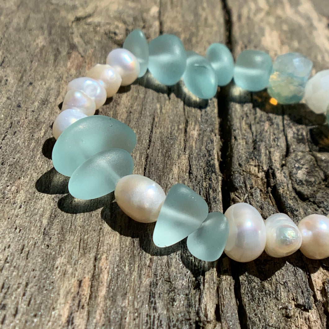 Fresh Water Pearls & Washed Glass Beaded Bracelet
