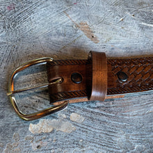 "Load image into Gallery viewer, ""Scott"" Vintage Western Snap-Back Belt"