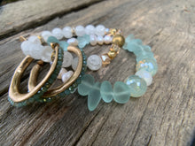 Load image into Gallery viewer, Fresh Water Pearls & Washed Glass Beaded Bracelet