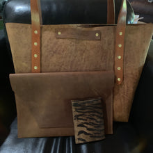 "Load image into Gallery viewer, ""The Carl"" in Rustic Oil Tanned Leather"
