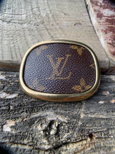 "Load image into Gallery viewer, ""Louis Longing"" Belt Buckle"