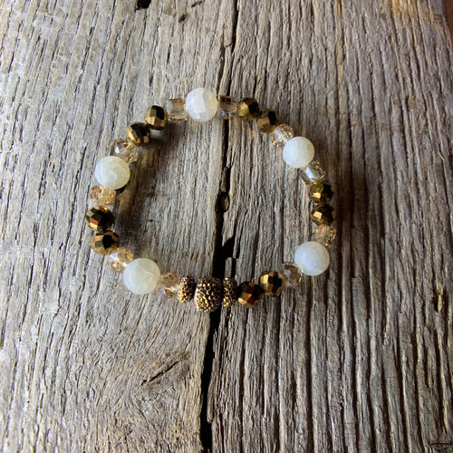 Gold & White Beaded Bracelet