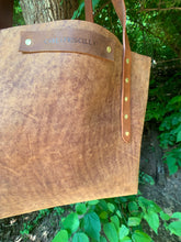 "Load image into Gallery viewer, ""The Big Mama"" Tote In Rustic Oil Tanned Leather"