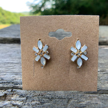 Load image into Gallery viewer, Starlight Stud Earrings