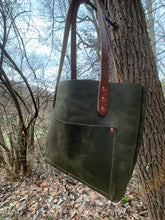 Load image into Gallery viewer, Big Mama Tote + in Hunter Green Denver Hide