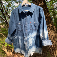 Load image into Gallery viewer, Vintage Levis Distressed Denim Shirt
