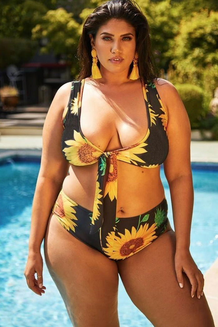 Plus Size Sunflower Printed Tie Front Bikini Swimsuit