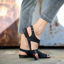Load image into Gallery viewer, Casual Open Toed Plain Buckle Sandal
