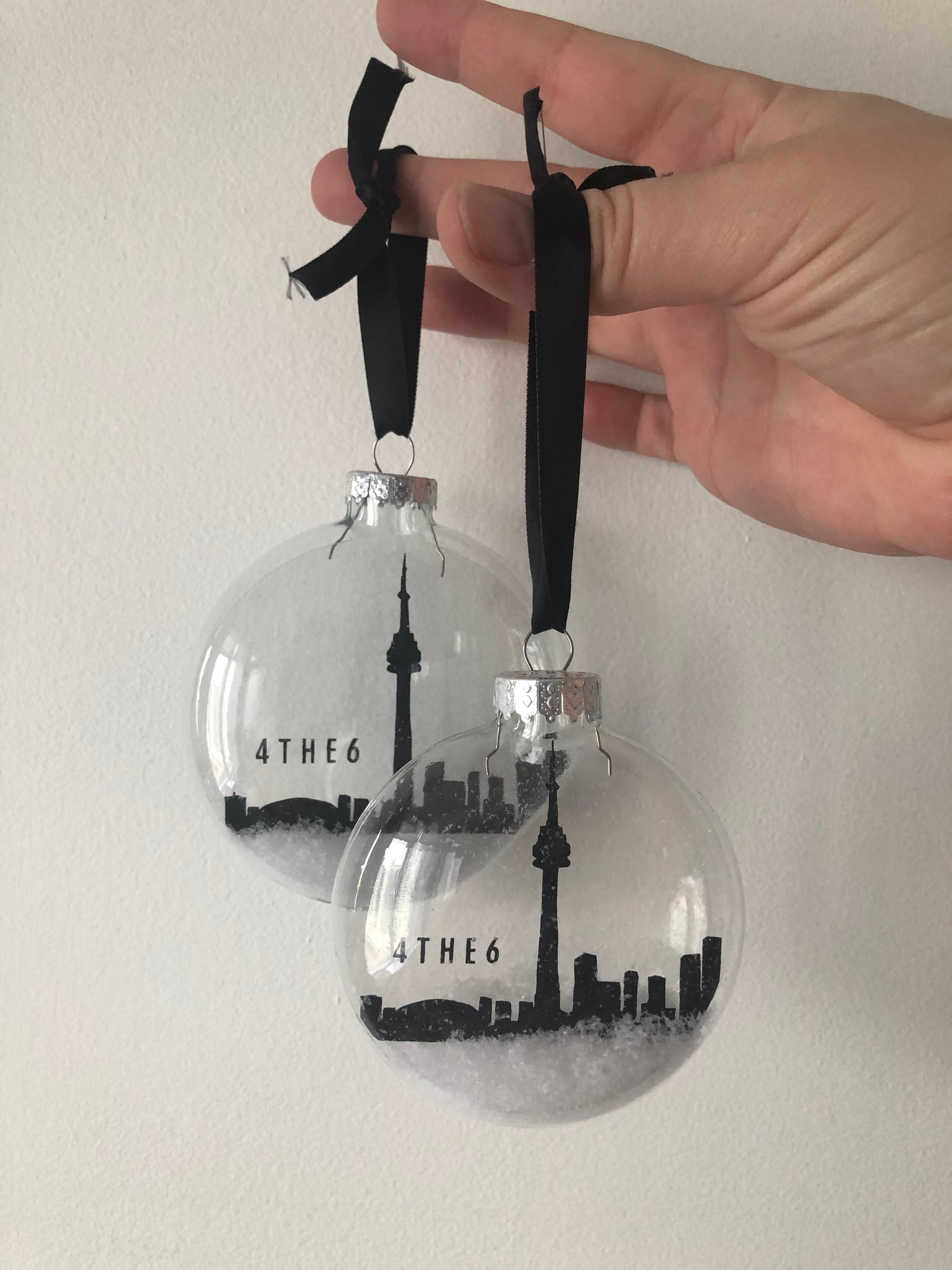 TORONTO | Small Skyline Floating Glass Ornament