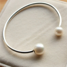Load image into Gallery viewer, 925 Inlaid Faux Pearl Bangle