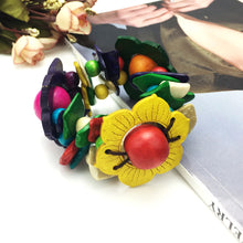 Load image into Gallery viewer, Bohemian Flower Bracelet