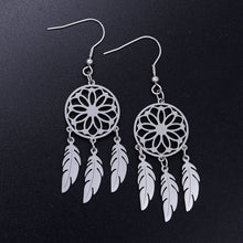 Load image into Gallery viewer, Dreamcatcher Earrings