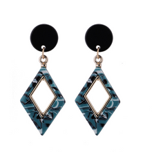 Load image into Gallery viewer, Patterned Rhombus Earrings