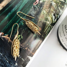 Load image into Gallery viewer, Fringe Wheat Earrings
