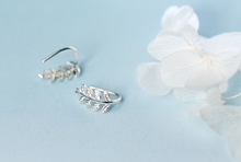 Load image into Gallery viewer, Short Leaf Earrings