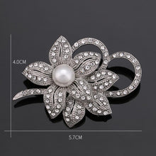 Load image into Gallery viewer, Diamonte & Pearl Brooch