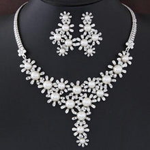 Load image into Gallery viewer, Bohemian Faux Pearl Snowflake