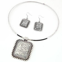 Load image into Gallery viewer, African Square Pendant