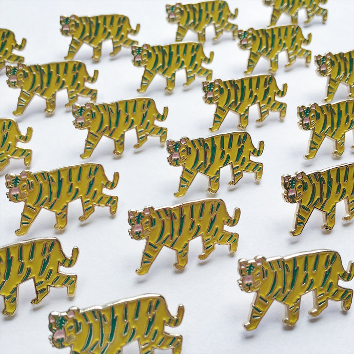 老虎 Tiger enamal pin