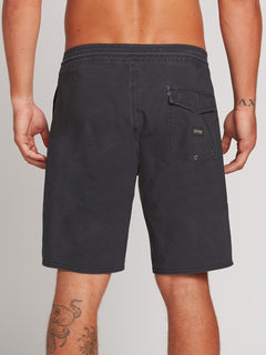 Center Stoney 18 Black (A0801904_BLK) [B]