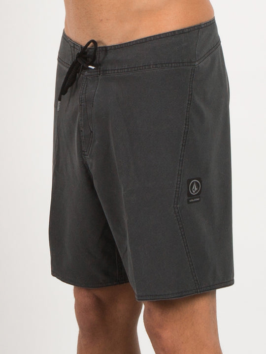 Macaw Solid 18 Boardshorts - Black