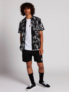 Deadly Stones Shorts - Black