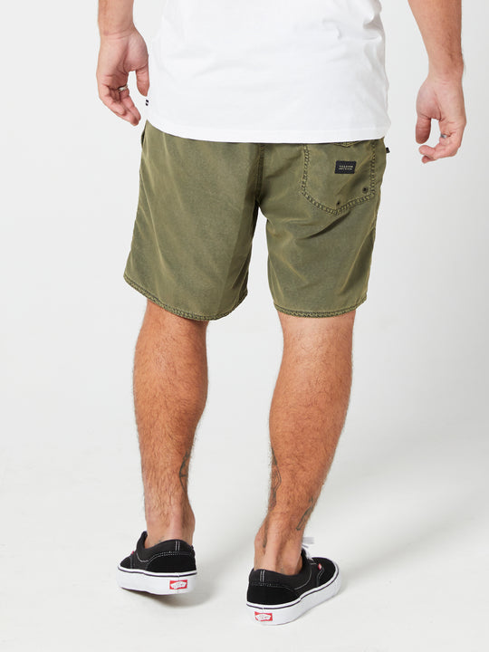 "Center 17"" Trunks - Military"
