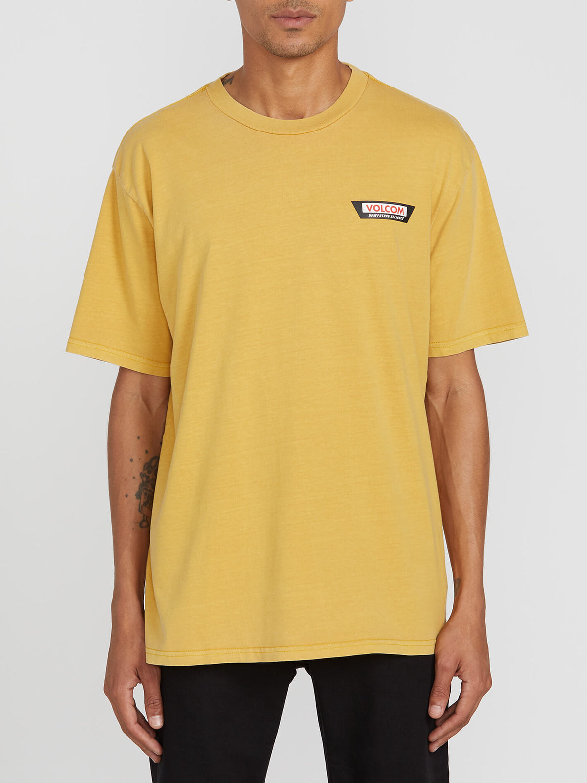 Decept S/s Tee Gold (A4312001_GLD) [F]